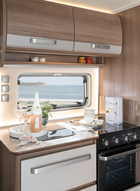 fendt caravan wohnwagen von fendt diamant. Black Bedroom Furniture Sets. Home Design Ideas