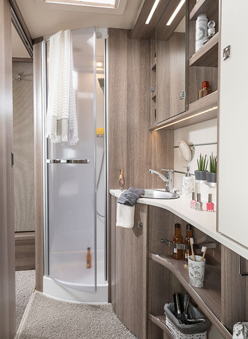 fendt caravan wohnwagen von fendt tendenza. Black Bedroom Furniture Sets. Home Design Ideas